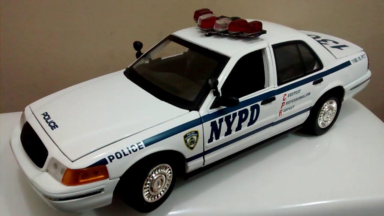 Ford Crown Victoria Police  California Highway Patrol  Motor Max  1:18  Neu