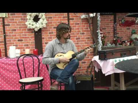 Jazz box mini tenor guitar