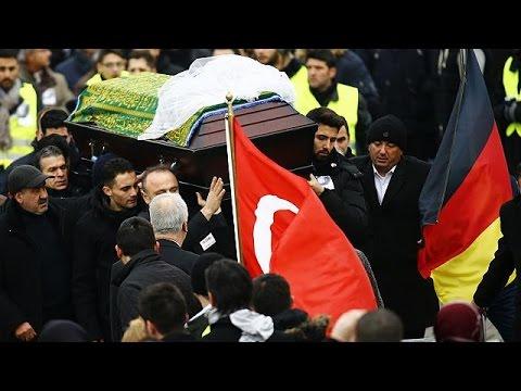 Γερμανία; Θρήνος στην κηδεία της φοιτήτριας που θυσιάστηκε για να σώσει δύο έφηβες