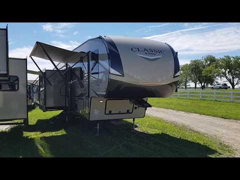 2019 Flagstaff Classic 8529IKBS Luxury 5th Wheel @ Camp-Out RV In Stratford