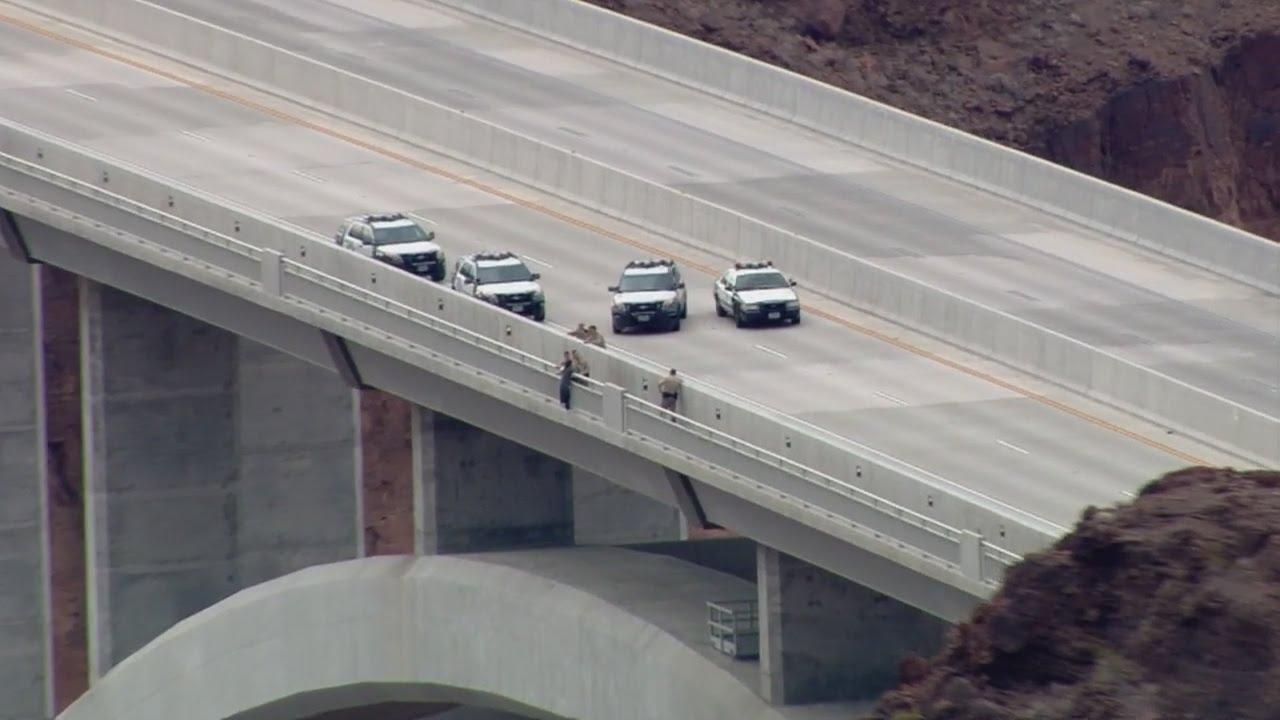 Las Vegas Traffic >> UPDATE: Trooper hurt directing traffic at Hoover Dam bridge backup - YouTube