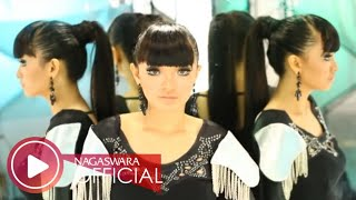 Video Zaskia Gotik - 1 Jam (Official Music Video NAGASWARA) #music download MP3, 3GP, MP4, WEBM, AVI, FLV Oktober 2018