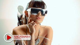 Download Zaskia Gotik - 1 Jam (Official Music Video NAGASWARA) #music