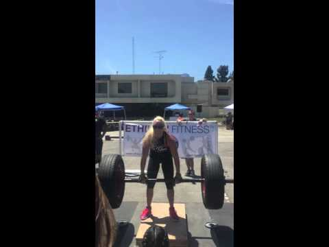 Strongwoman Mandy Salter Axle Deadlifts 245 pounds 13 reps in 45 seconds at Gladiator Gauntlet 2016