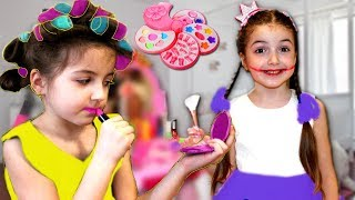 Masha and Vania Play with Make Up Table Toy and Girl Toy