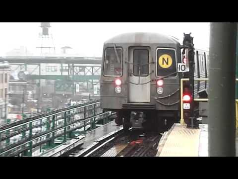 BMT Astoria Line: Ditmars Boulevard-bound R68 N Train@Queensboro Plaza