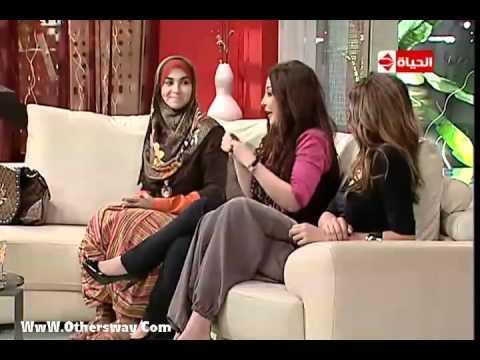 دارك مع مذيعات قناة الحياة  ولبنى عسل