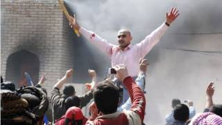 العراق: متظاهرون يحرقون مبنى محافظة واسط