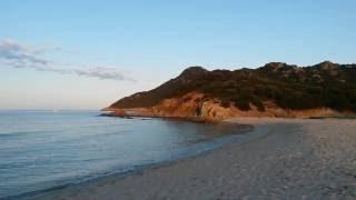 Abenstimmung am Strand von Cala Sinzias auf Sardinien