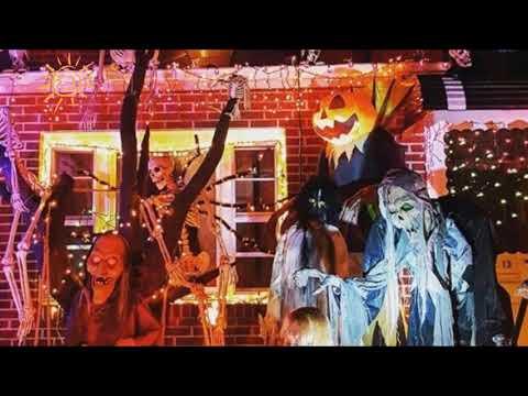 TOP 10 photos of New York City's best Halloween-decorated houses. Halloween horror houses 2016