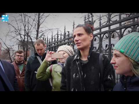 Собянин провел закрытую встречу с жителями пятиэтажек