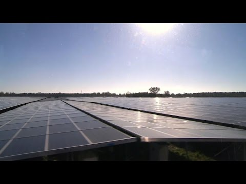 France: inauguration de la plus grande centrale solaire d'Europe