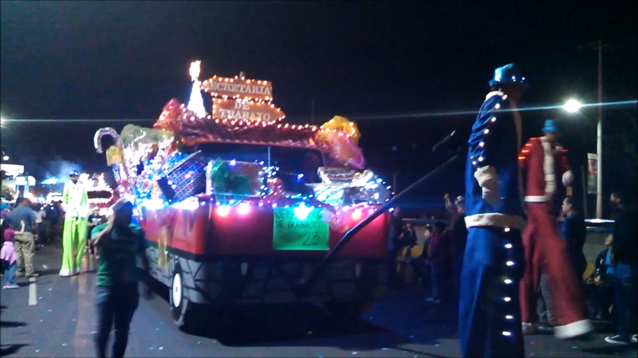 Fotos Carrozas Navidenas.Desfile De Carrozas Navidad Catracha Tegucigalpa 2016