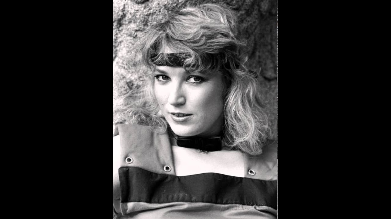Tanya Tucker - Would You Lay With Me (In A Field Of Stone ...