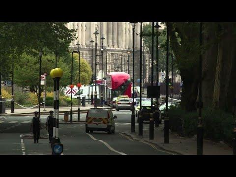 هجوم يشتبه بأنه إرهابي يوقع عددا من الجرحى في لندن