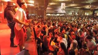 Vídeo da multidão sábado 11/10/2014 na 31ª Oktoberfest de Blumenau. Show Banda Cavalinho e Vox 3.
