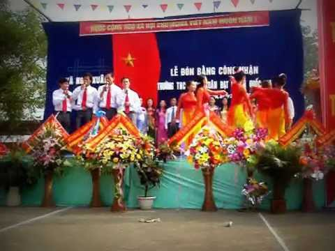 Van Nghe Chao Mung Truong Chuan Quoc Gia 2011