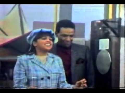 Ain't no Mountain High Enough - Marvin Gaye y Tammi Terrell .flv