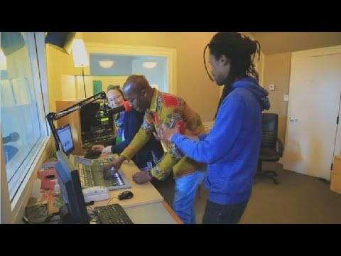 Canada: une présentatrice promeut la musique africaine dans une émission radio