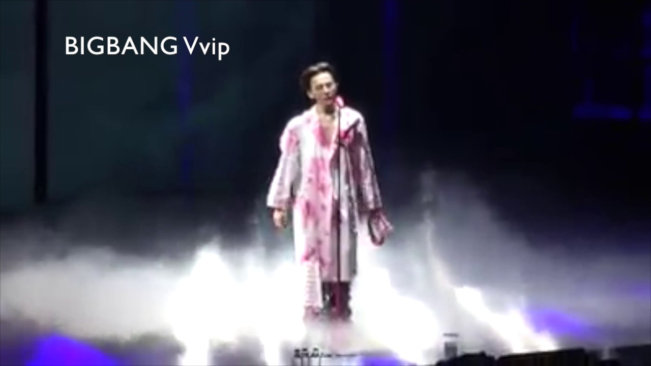 "GD diễn ""Untitled, 2014"" tại concert ""Act III, M.O.T.T.E"" in Seoul"