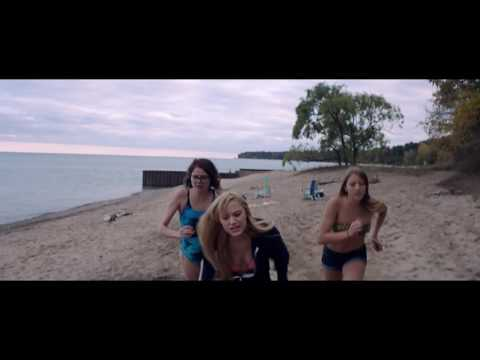 It Follows - Terrore In Spiaggia - Clip dal film | HD