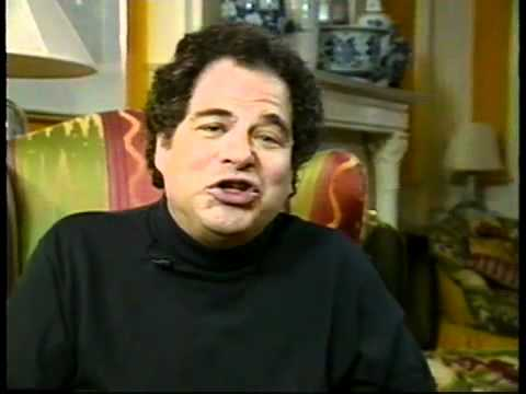 Perlman talks about Heifetz and demonstrates a bit...