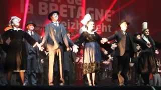 Danse Bretonne : Nuit de la Bretagne 2014 (musique de Red Cardel et Bagad Kemper)