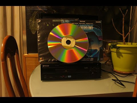 LaserDiscs in 2018? Hastily made video about the format.