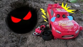 Cars Toys for Kids | Lightning Mcqueen, Tayo There is Dinosaur in the cave!