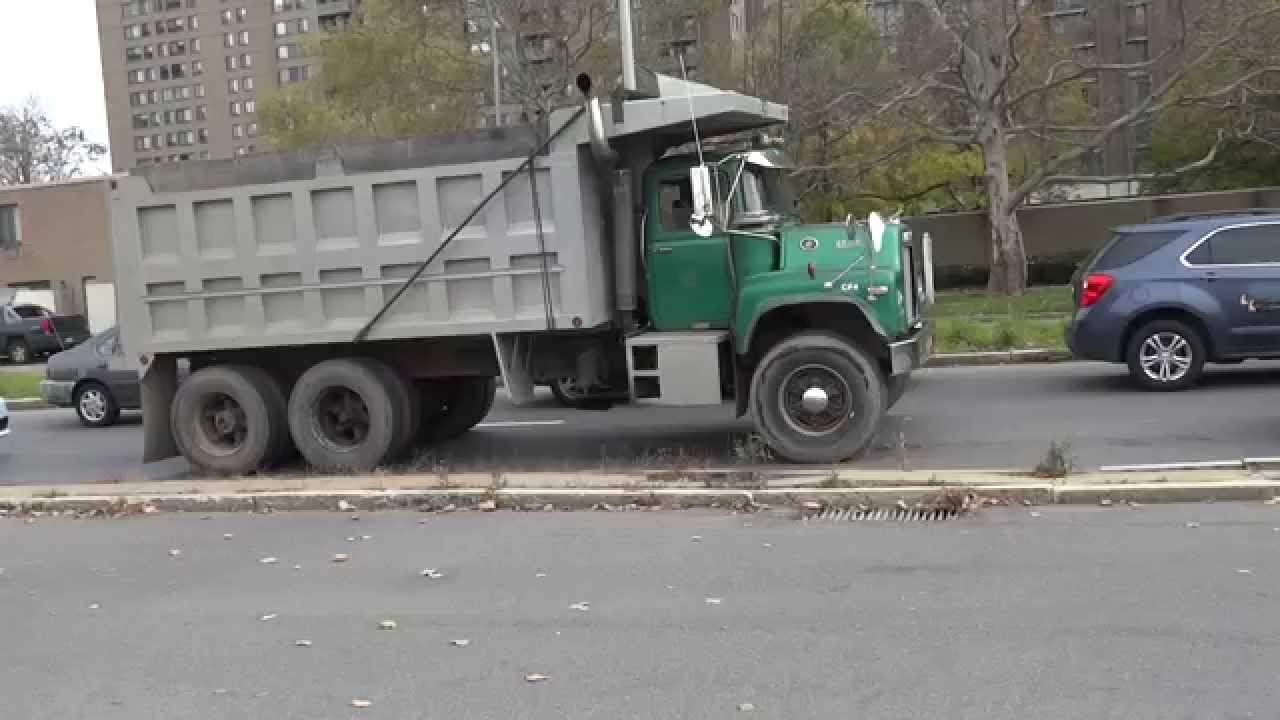 hight resolution of mack dump truck