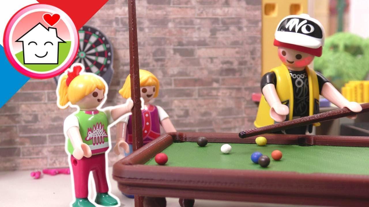 Playmobil en francais Dans l'auberge  de jeunesse avec Lena et Sigi - Famille Hauser