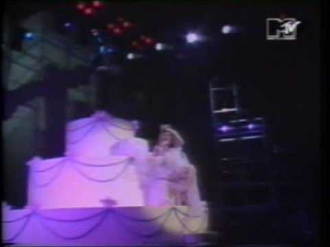 Madonna - Like A Virgin - Live at MTV Awards 1984