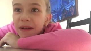 Соня видеоблогер