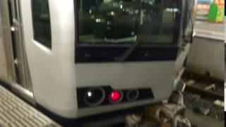 高松駅で停車中の3便目の岡山行きマリンライナーの最後尾