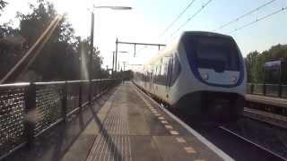 SLT 2602 + 2649 (12 bakken) vertrekken uit Station Almere Parkwijk