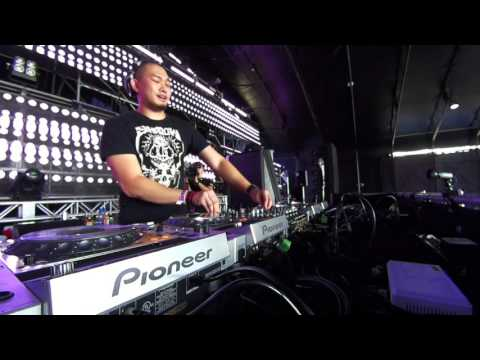 TECHNO DJ SET - Bagagee Viphex13 at Ultra Japan Resistance Stage 2015.09.20