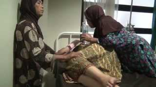 Repeat youtube video Mamih Wini menjelang persalinan - 2012.11.29