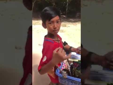 《在柬埔寨暹粒市的語言天才》 A Language Genius in Siem Reap, Cambodia