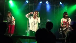 曲名:「つくつく」 2013年 群馬県にて結成したラウド系ガールズロック...