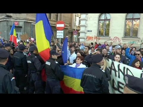 Romanians protest over election hitches
