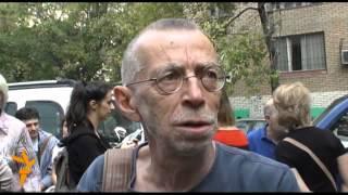 Pussy Riot: приговор. У здания Хамовнического суда.(Хамовнический суд Москвы 17 августа огласил приговор участницам группы Pussy Riot, которых обвинили в хулиганст..., 2012-08-17T18:12:28.000Z)
