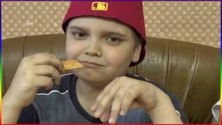 ДРУГ ПРОБУЕТ МЕГА ЧИПСЫ  💥 Chips Family Game CHILDREN Challenge
