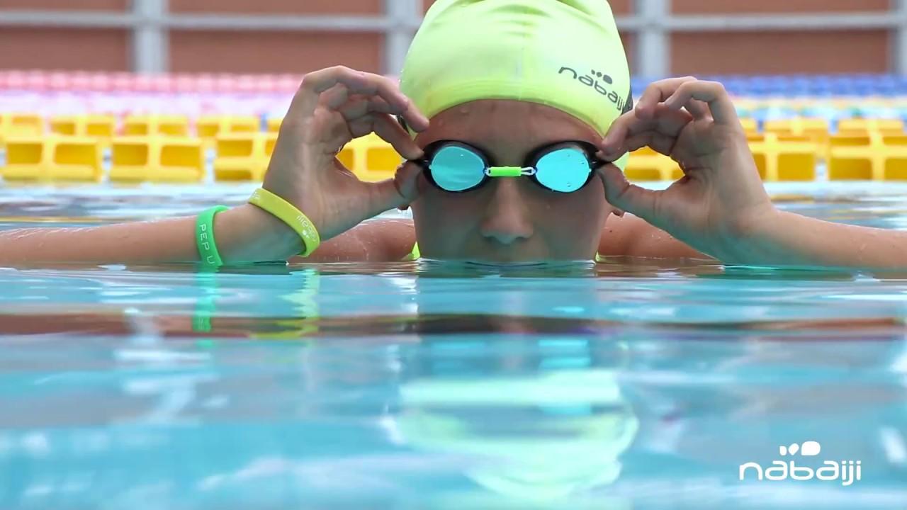 Lunettes de natation suedoises - Nabaiji - YouTube d5a10fd8723a