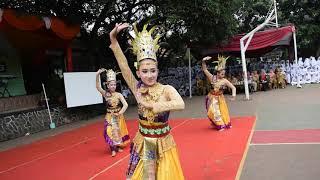 Download Video Ribuan Penonton Tiba-Tiba Tersihir oleh Tari Jaipong Siswi-Siswi Cantik ini MP3 3GP MP4