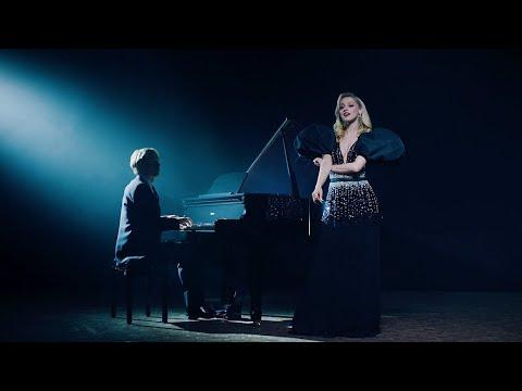 Regi & Camille - Vergeet De Tijd (Official Music Video)