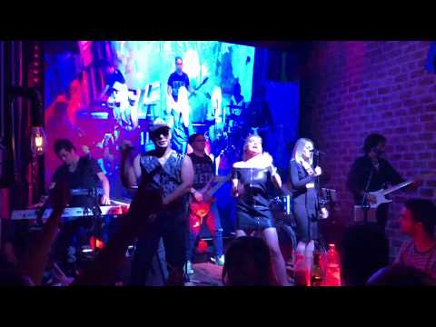 "Singing ""Locked out of heaven"" at Faktory'z bar Marrakech, Morocco.mov"