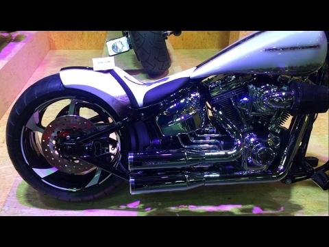 Harley Breakout Cvo >> Harley-Davidson Breakout CVO Custom (Swiss-Moto 2017) - YouTube