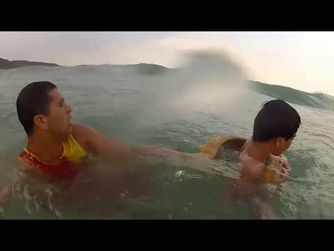 Salvamento Praia de Bombas-SC Brasil -  Salvamento Aquático - Life Guard Brazil - Drowning Boy