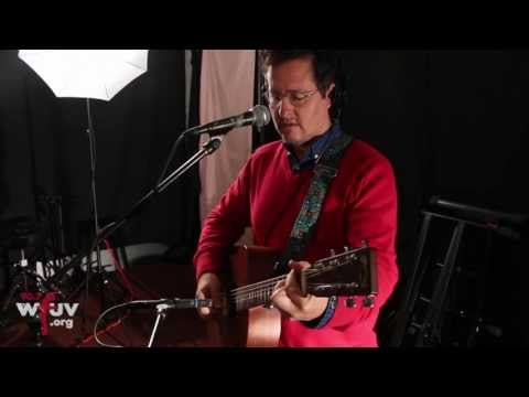 "Josh Rouse - ""It's Good To Have You"" (Live at WFUV)"