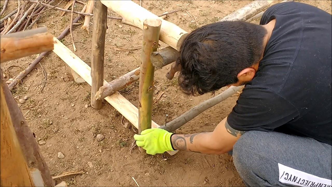 Banco r stico de madera como hacer un sill n con troncos - Como hacer bancos de madera ...